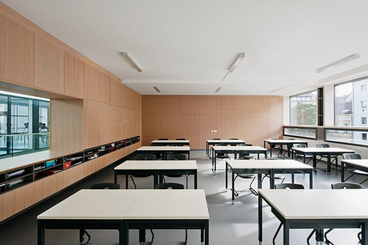 Classroom (Photo: Hertha Hurnaus)