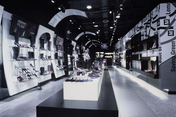 Desanimarse malla Transeúnte  Steve Madden Flagship Store | Victoria Benatar | Archinect