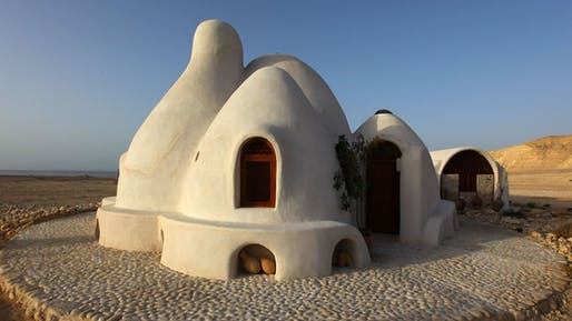 CalEarth's Super Adobe home. Image © CalEarth