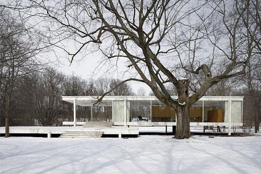 Farnsworth House, via Wikipedia.