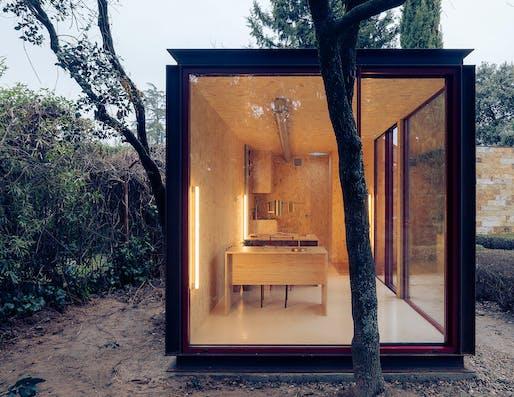 Tini Office by delaVegaCanolasso (2020) Image © imagensubliminal (Miguel de Guzman + Rocío Romero)