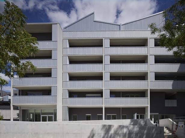south facade / photo : S. Chalmeau