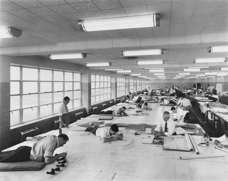 Hedrich-Blessing Photographic Studio, view of the drafting room, 1942, Albert Kahn Associates, Ford Motor Bomber Factory, Willow Run, Michigan, Gift of Federico Bucci © Chicago History Museum.