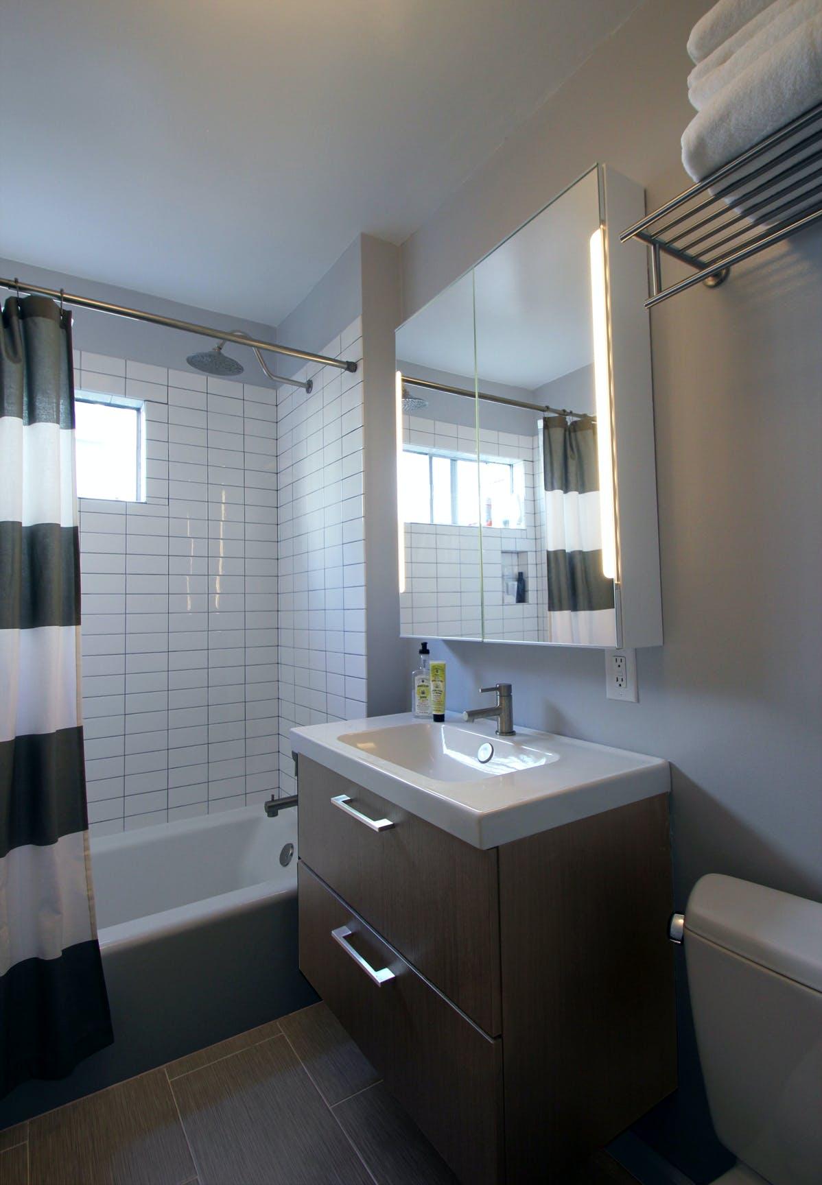 Santa Monica Kitchen/Bath Renovation | Clarice Zusky | Archinect