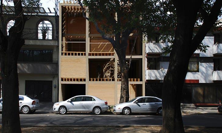 Duplex in Mazatlán, Mexico City. Image via escobedosoliz.net.
