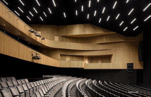 Gilles-Vigneault Performance Hall, St. Jérôme, QC, Atelier TAG in consortium with Jodoin Lamarre Pratte Architects. Photo: Adrien Williams