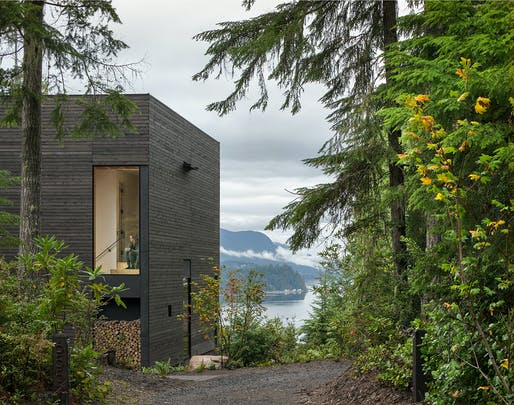 Little House; Seabeck, Washington by mw|works. Photo: Andrew Pogue