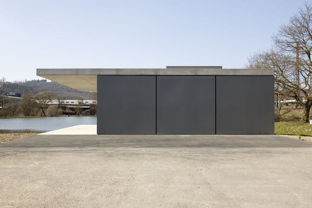 Three 3x3m steel door panels pivot on bespoke spindels image © felix krumbholz