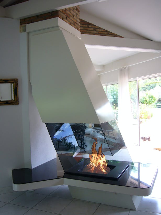 Bloch Design fireplace