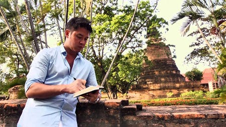 Pomeroy sketching on location in Vietnam. Image courtesy of Pomeroy Studio.