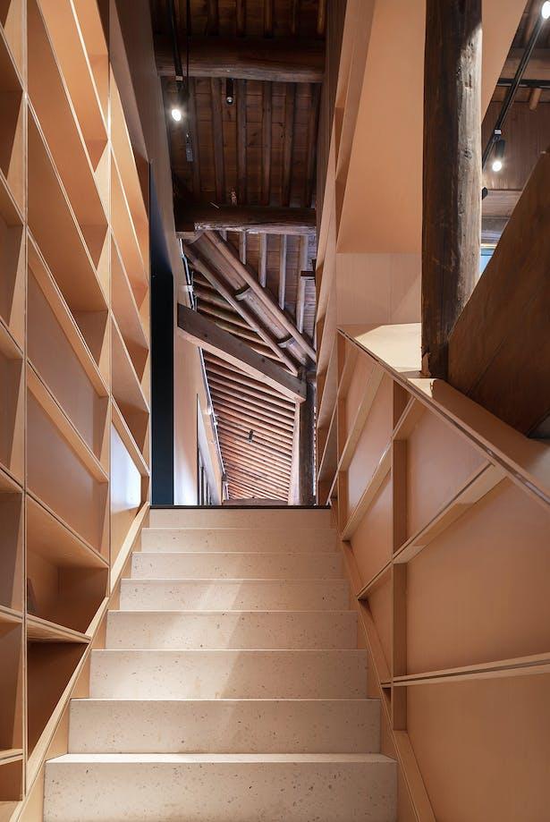 Coutyard Stairs, photo: Wu Qingshan