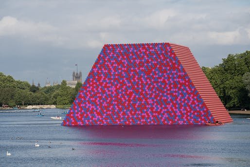 The London Mastaba by Christo and Jeanne-Claude, located in Hyde Park's Serpentine Lake, London. Image: Wolfgang Volz.