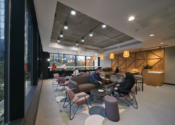 First floor meeting and co-working lounge (2)