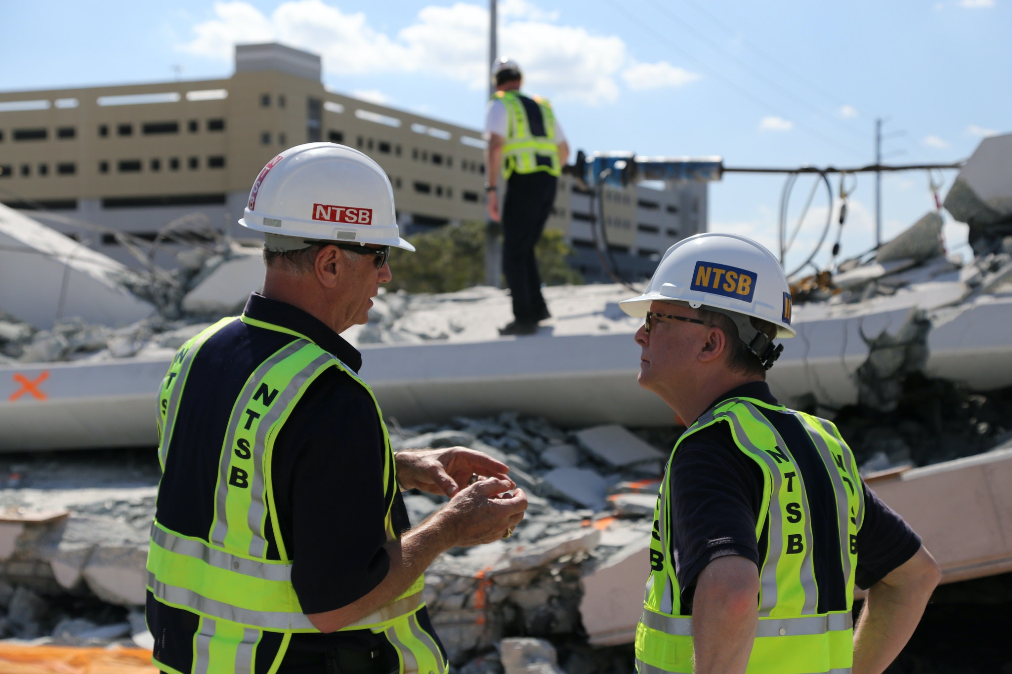 Investigator In Charge Robert Accetta Briefs NTSB Chairman Robert Sumwalt  On The Status Of The Investigation
