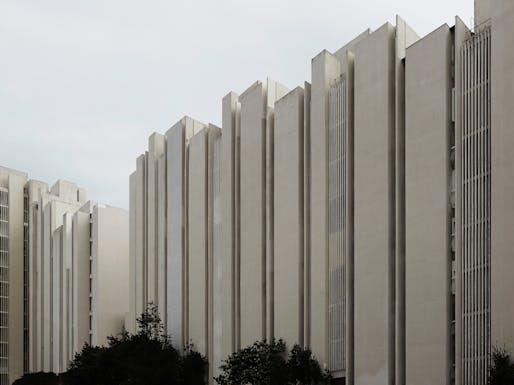 Dinko Kovačić and Mihajlo Zorić. Braće Borozan building block in Split 3. 1970–79. Split, Croatia. Exterior view. Photo: Valentin Jeck, commissioned by The Museum of Modern Art, 2016.