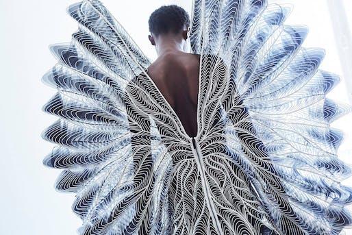 Iris Van Herpen's Syntopia © Molly SJ Lowe