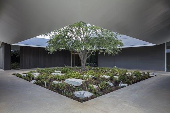 East Courtyard. Photo: Richard Barnes, courtesy the Menil Collection, Houston.