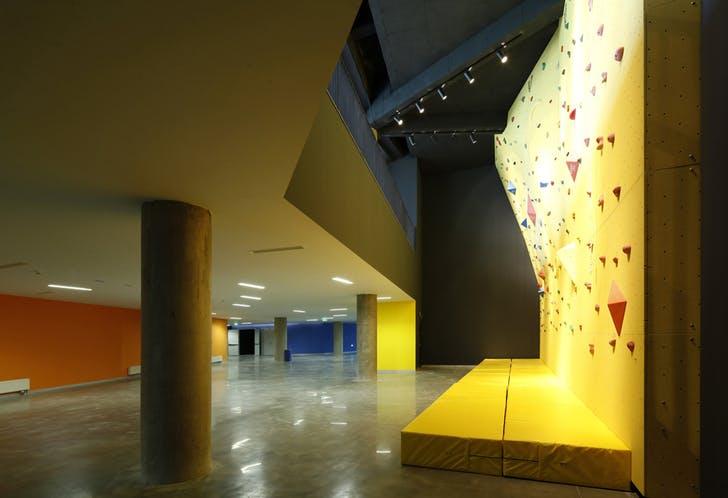 Rock climbing wall. Photo © Xia Zhi