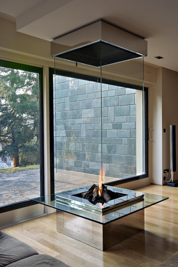 Bloch Design glass fireplace 1