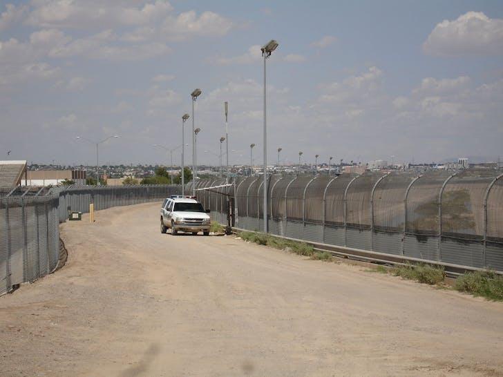 U.S./Mexico border fence. Image: Wikipedia