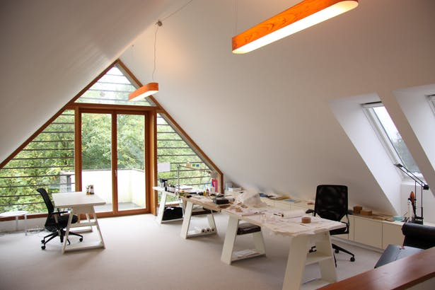 House A, Studio