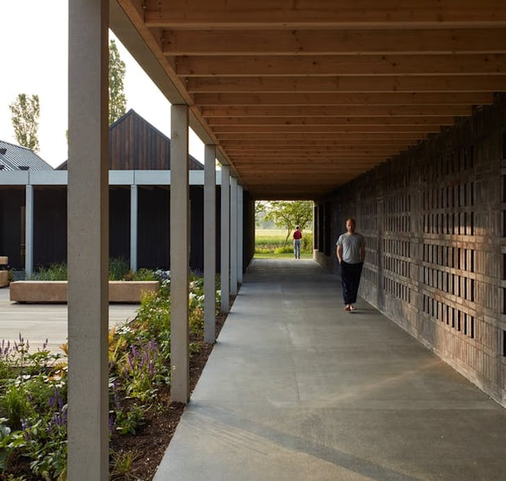 Vajrasana Buddhist Retreat by Walters & Cohen. Photo by Dennis Gilbert