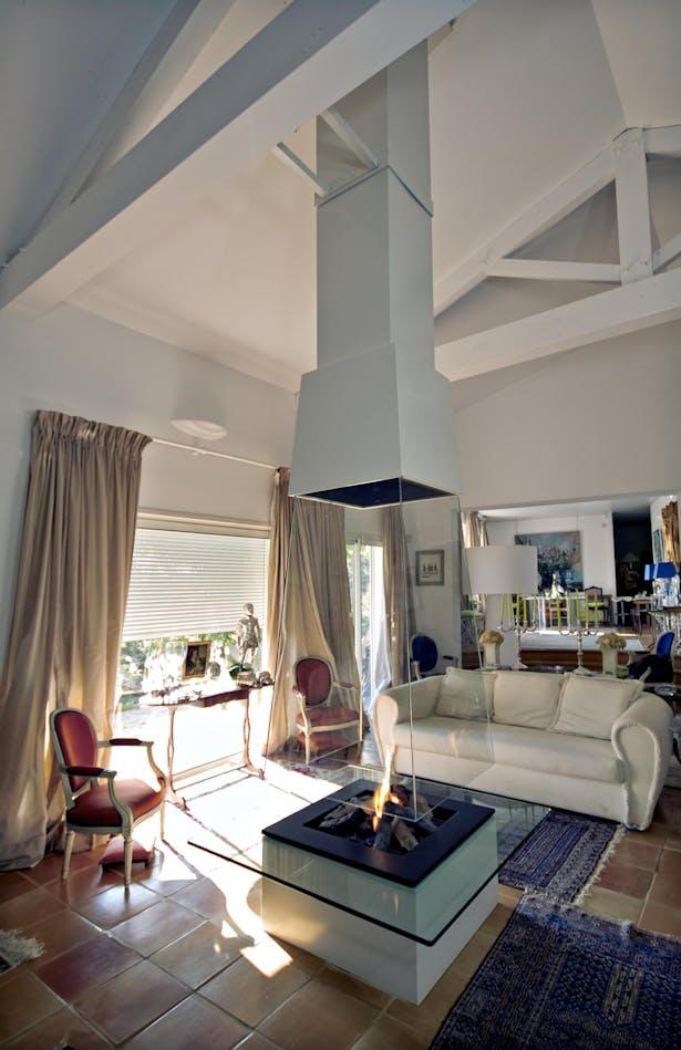 Bloch Design fireplace 1