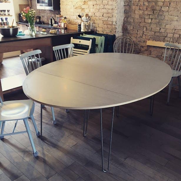 Modular table for community dinner