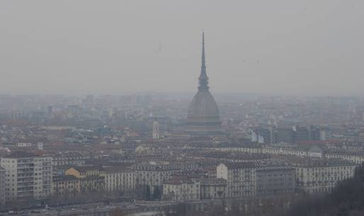 Smog in Turin, Italy. Photo via ansa.it