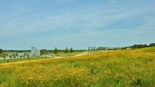 Shelby Farms Park, Memphis, Tennessee | Marlon Blackwell Architects + James Corner Field Operations. Photo: Timothy Hursley.