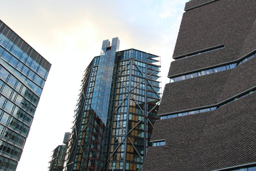 'Nice to see you.'—Tate Modern Switch House. 'Look away.'—Neo Bankside towers. Photo: Fred Romero/Flickr
