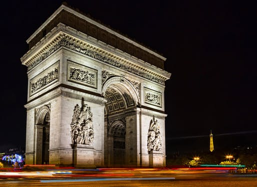 "Current night view of the Arc de Triomphe. Photo: Sheila Sund/<a href=""https://www.flickr.com/photos/sheila_sund/31339550911"">Flickr</a>"