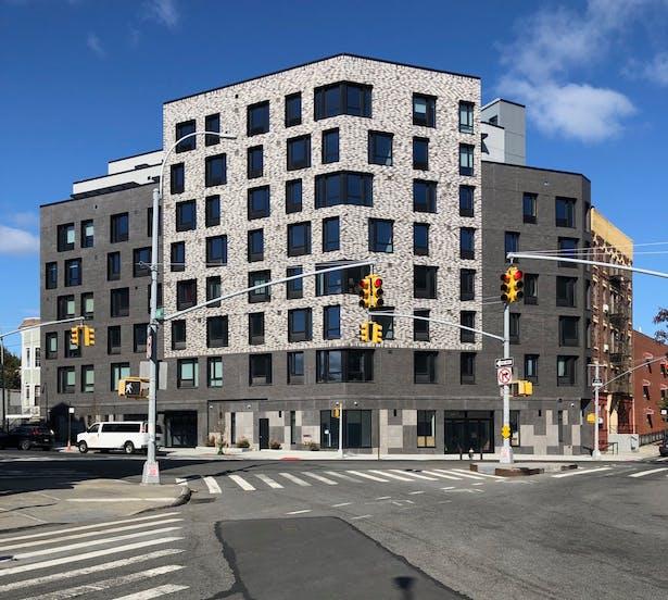 Home Street Residences, by Body Lawson Associates