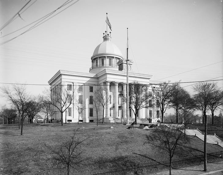 View of the Alabama state capitol in 1905. Image courtesy of The Library of Congress.