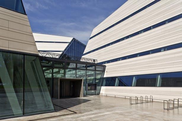 Vilnius University Library Scholarly Communication and Information Centre. R. Palekas ARCH Studio. Photo by Raimondas Urbakavičius