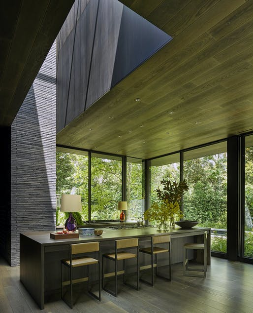 Mandeville Canyon Residence in Brentwood, Los Angeles, CA by Marmol Radziner; Photo: Richard Powers