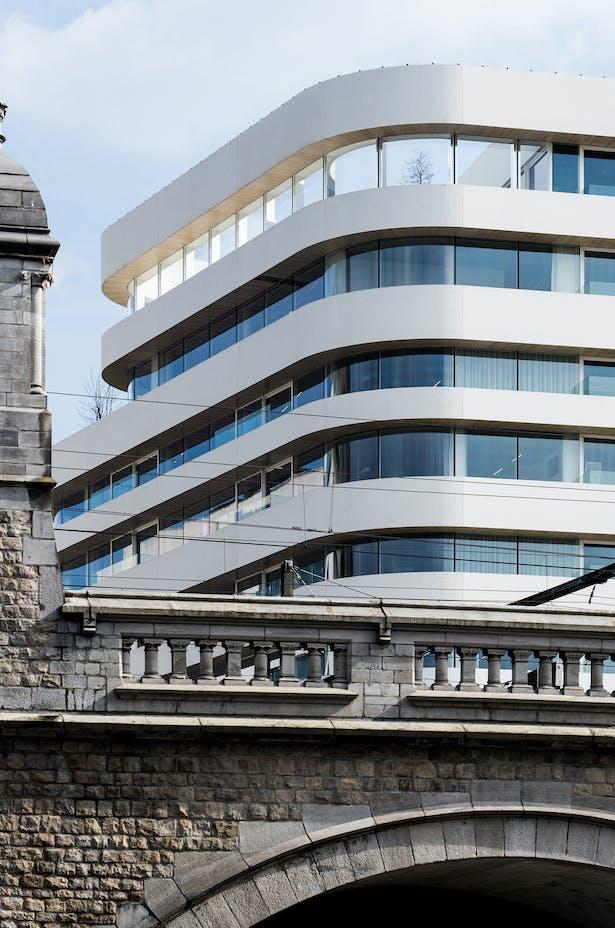 HQ DPG MEDIA by Binst Architects. © Binst Architects