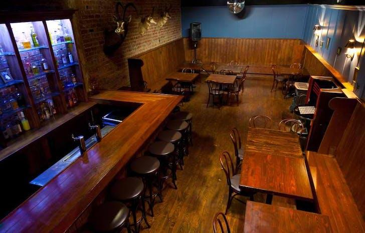 The 'Speak Easy' set. Image courtesy Kink.com