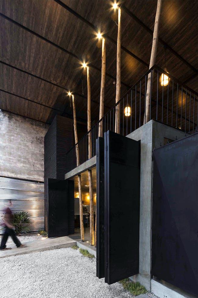 Restaurante Don Shawarma in Babahoyo, Ecuador by Natura Futura Arquitectura; Photo: Juan Alberto Andrade & Natura Futura