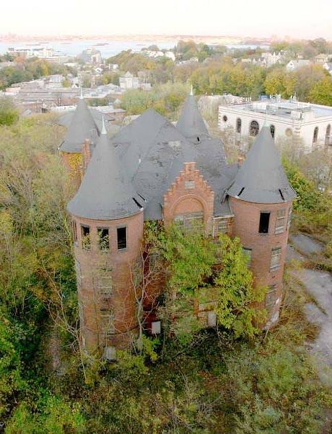 Save the Castle Coalition, Staten Island, NY via Jongmin Kim