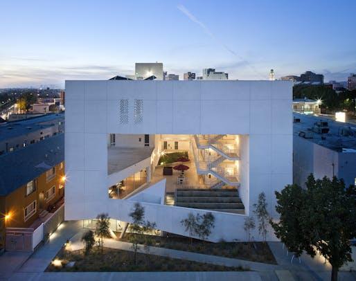 AIA|LA COTE - HONOR: The SIX Veterans Housing (Los Angeles, CA) by Brooks + Scarpa. Photo: Tara Wujick.