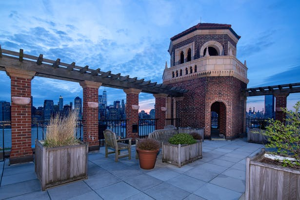 NYC stunning view from Roof Terrace Garden
