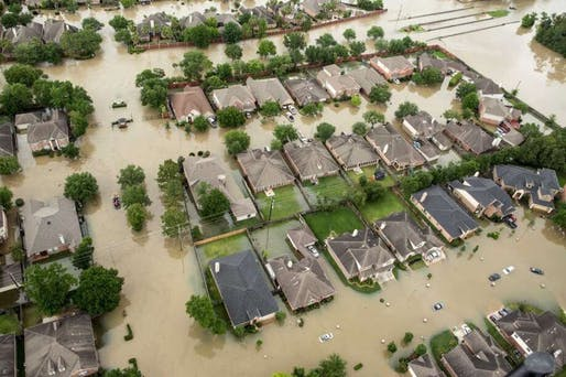 Houston homes during Hurricane Harvey in August 2017. Image: @ohcami_ via Twitter