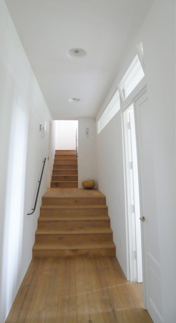 Interior 08