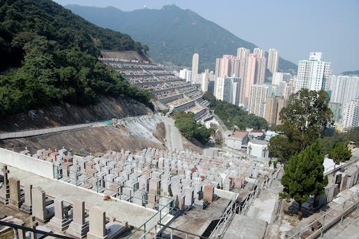 View of the Follow Holy Cross Catholic Cemetery in Chai Wan, Hong Kong. Image courtesy of Flickr user Rob Young.