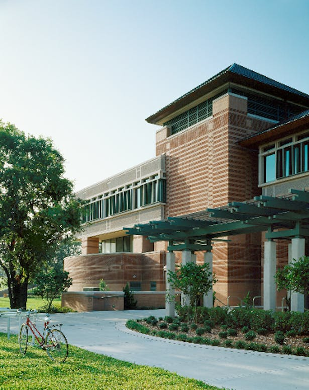 University South Florida, Tampa, Communication Information Sciences Building