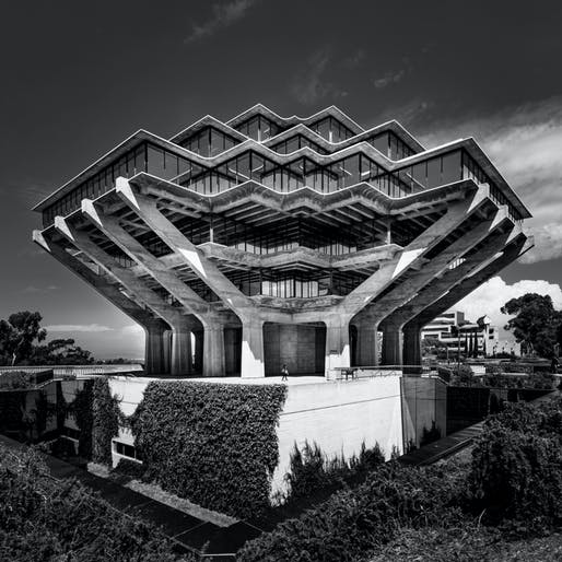 "© Geoffrey Goddard. Honorable Mention. ""Fortress of Knowledge."" Geisel Library, University of California, San Diego. William Pereira, 1970."