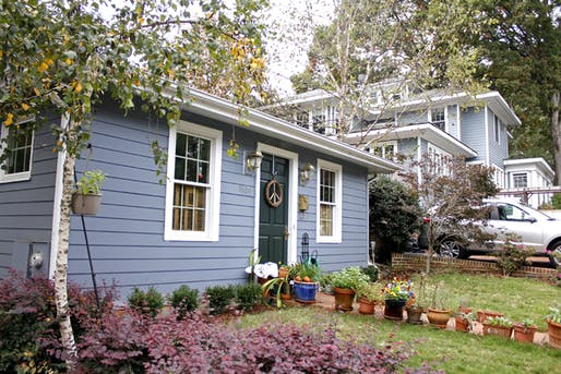 "An accessory dwelling unit, aka a ""granny flat"", in Raleigh, North Carolina. Image via intentionallysmall.com"
