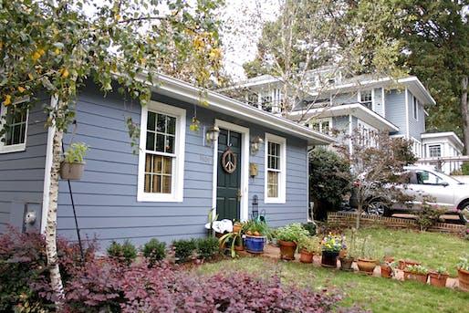 An accessory dwelling unit, aka a 'granny flat', in Raleigh, North Carolina. Image via intentionallysmall.com