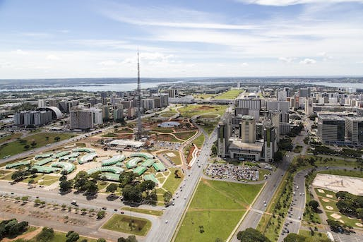 Bird's-eye view of Brasília's famed Monumental Axis. Image courtesy of Wikimedia Commons user Governo do Brasil. (CC BY 3.0 BR)